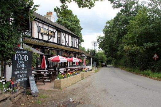 Dumb Bell Public House, Shire Lane, Horn Hill, Chalfont St Peter, Buckinghamshire.  Photo by Christine Matthews