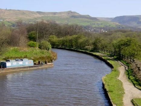 A cruise along the Huddersfield Narrow Canal (301)