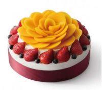 Strawberry mango cake