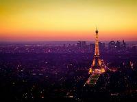 Nightfall in Paris