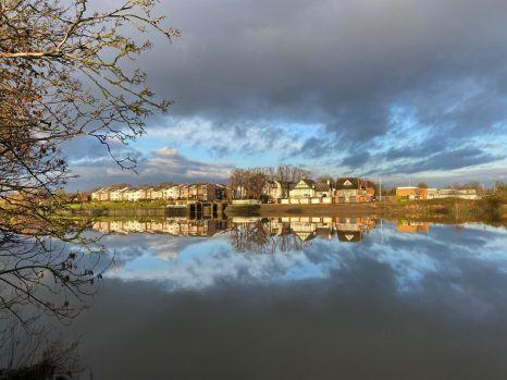 Mirror - River Thames