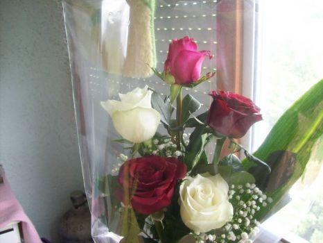 születésnapi rózsacsokor