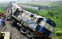 Crash train on India 2015