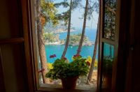 Window with a view, Parga