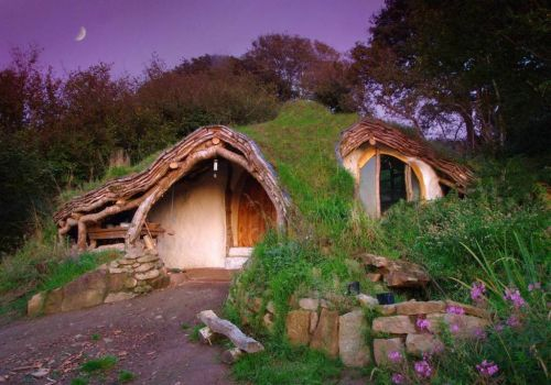 Extraordinary off-grid home in Wales - photog unknown