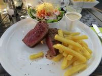 Steak (tournedos) and fries...