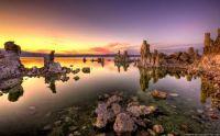Formations de tuf, lac Mono (Californie, États-Unis)
