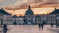 Amalienborg sunset - Martin Heiberg