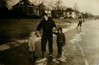 how I learned to skate as a 3-yo in 1954