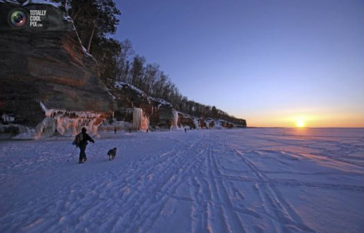 frozen_lake_superior_001