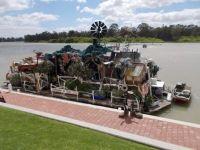 Chookman touring houseboat