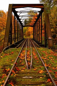 Autumn-Railroad-Bridge-Vermont