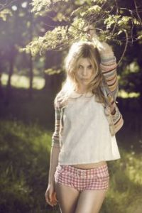 Clemence Poesy 06