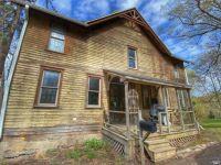 #195 Blue Goose Grape Farmhouse