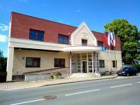 Kolovraty 83, town hall