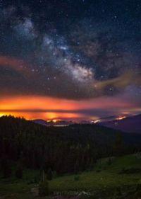 Klamath fire lighting night sky
