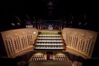 Notre Dame organ console