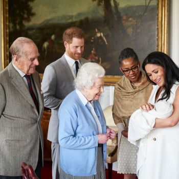 THE QUEEN MEETS ARCHIE !