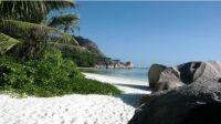 lonely-beach-meckimac-landscape-photography[1]