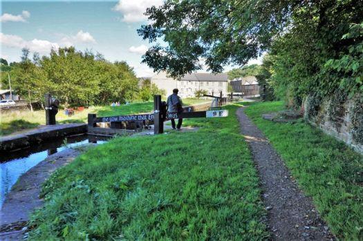 A cruise along the Huddersfield Narrow Canal (926)
