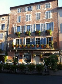 Our favourite restaurant in Cahors. Robbie would love it here!