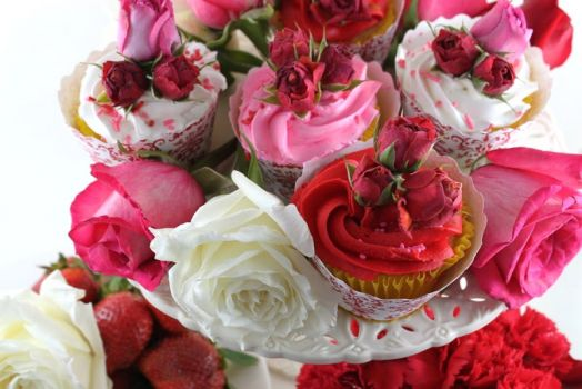 Rosebud Cupcakes For Your Sweetie