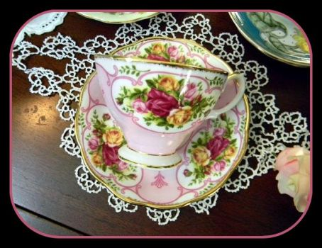 Pinknblack from the Past.  A Cameo Rose by Royal Albert