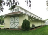 painted carriage house 8-15 0769