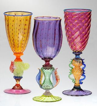"Themes ""Glassware & Antiques"""