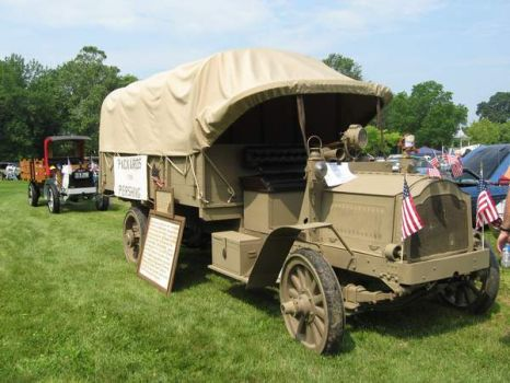 1918 packard army truck 80 pieces jigsaw puzzle. Black Bedroom Furniture Sets. Home Design Ideas