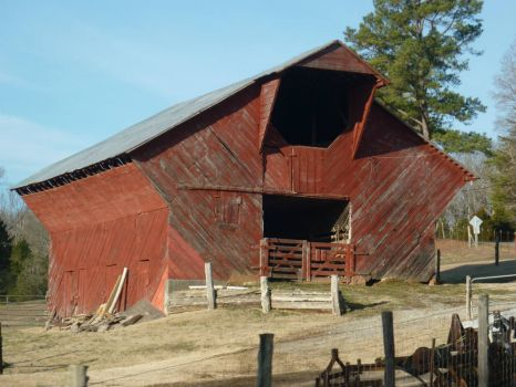 Old red barn in Tennessee