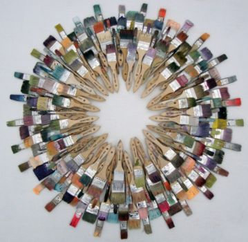 wreath_interpretations_2011_cara_enteles_painters_wreath_lg-600x584