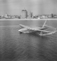 The Spruce Goose finally flies...