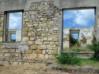 Room with a view - old ruin                             732-001