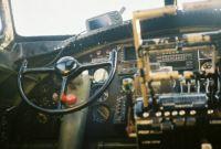 COCKPIT B-17 LEFT SIDE