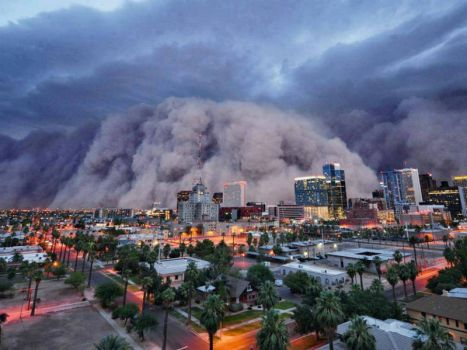 Dust storm in Phoenix, Arizona