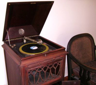 yesterdays victrola