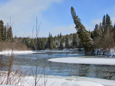 Icy Magpie River