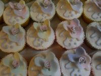Butterfly/ roses  cupcakes