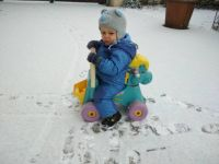 Oliver is here for the first time in the snow - Oliver dnes poprvé na sněhu