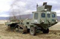 Mine clearing vehicle