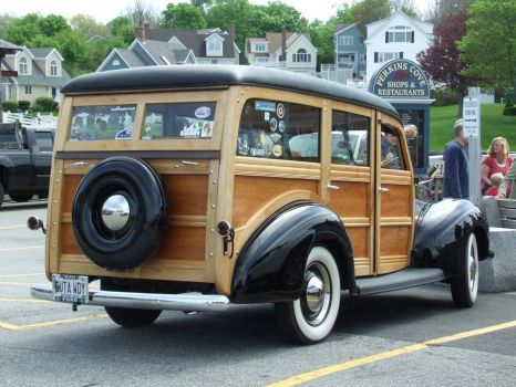 New Hampshire-Fully restored 1940 Ford Woody