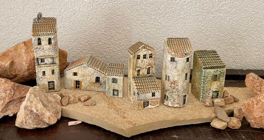 Provencaals dorpje van aardewerk