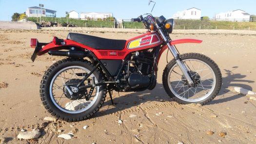 8-Yamaha DT400 1983