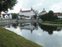 1024px-Neuburg-_Castle_and_Donau