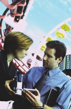 Mulder and Scully go to the funfair!