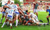 Leicester Tigers maul Exeter