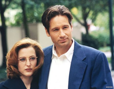 Gillian Anderson and David Duchovny in an X-Files promo photo