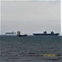 HMS Queen Elizabeth & Cruise Ship Caribbean Princess