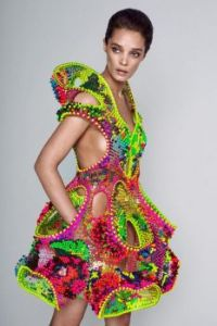 Meet-Foræva-a-Sculptural-High-Tech-Dress-Made-of-Swarovski-Crystals-Fashion-Trends-Lana-Dumitru-Vlad-Tenu-4